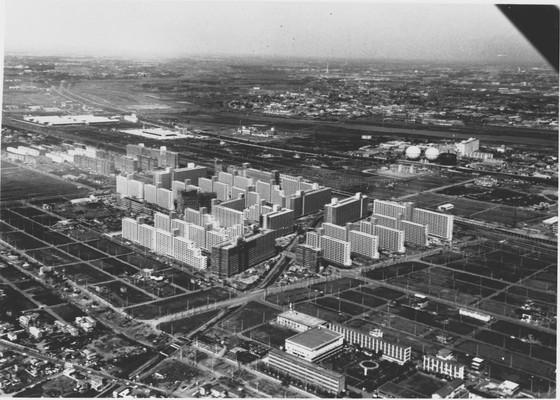 団地造成中だった高島平。当時はいかにも東京のはずれと言った印象だった