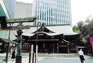 金刀比羅宮(東京・港)。都心のビルに囲まれながら独特の存在感を有する