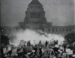 60年安保国会前